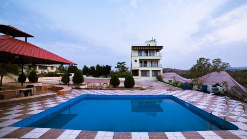 Highland-lake-view-villa-in-Pune